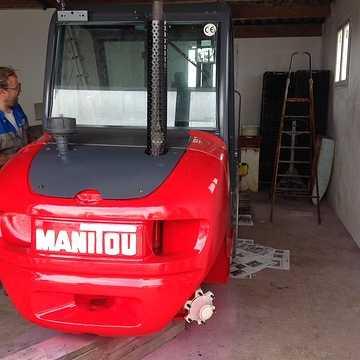 Remise en peinture d'un chariot élévateur avec nos peintures img07841